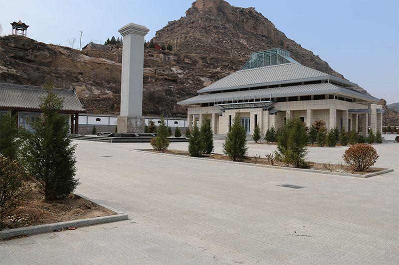 晋绥军区后方医院卫生二所烈士纪念塔